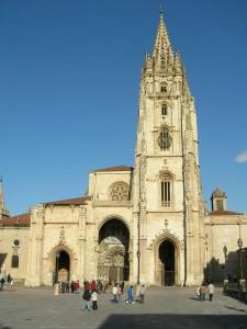 Catedral de Oviedo 225x300